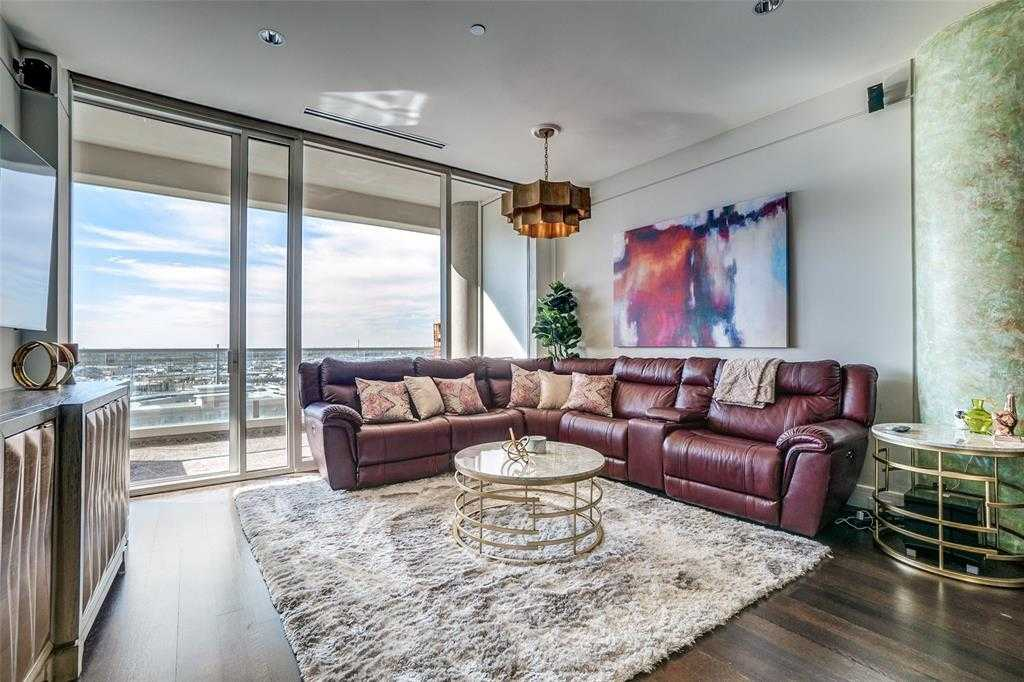 - 2Br/2Ba -  for Sale in South Tower Residences, Dallas