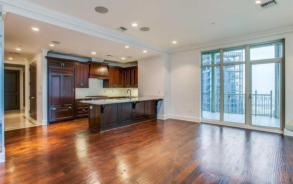 - 1Br/2Ba -  for Sale in Tower & Regency Row Residence Condo, Dallas