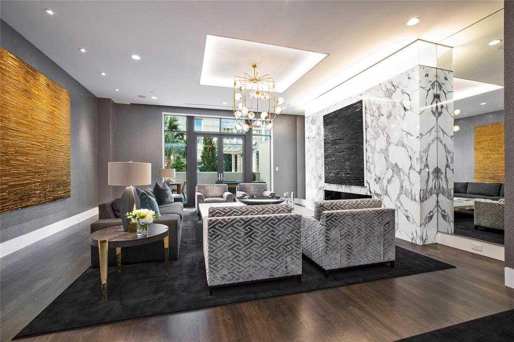 - 3Br/5Ba -  for Sale in Tower & Regency Row Residence Condo, Dallas