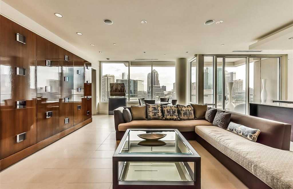 - 2Br/3Ba -  for Sale in W Residences, Dallas