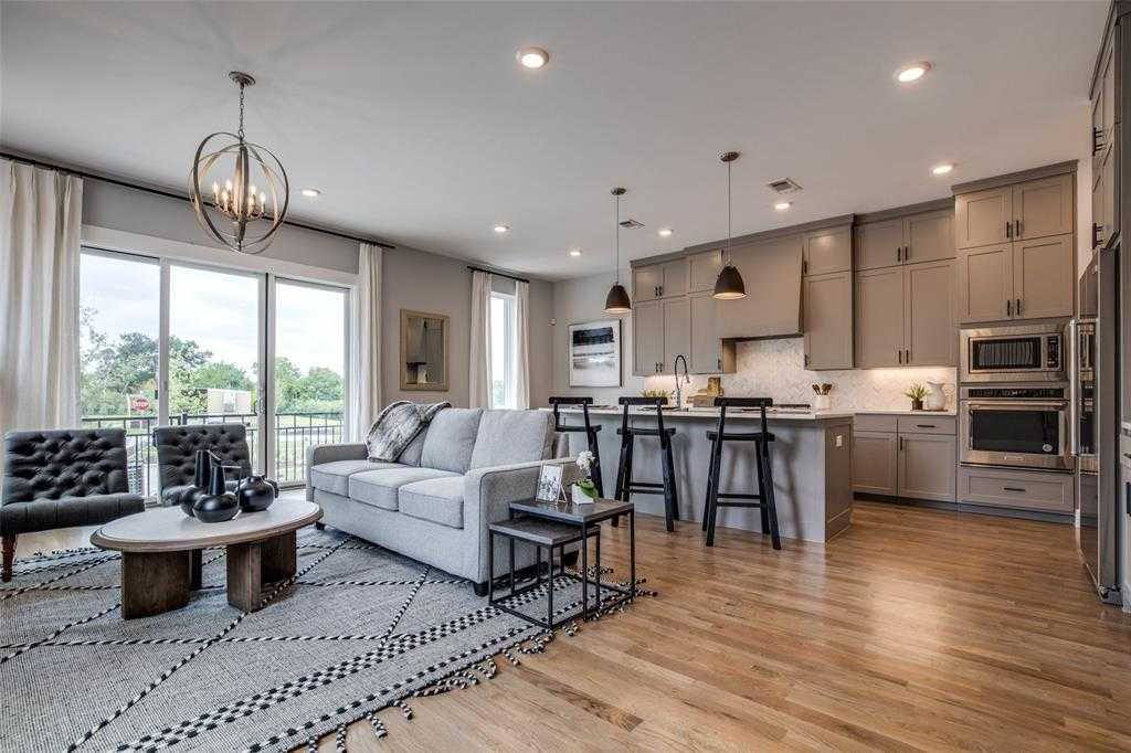 $575,000 - 3Br/3Ba -  for Sale in The Reserve At Bluffview, Dallas