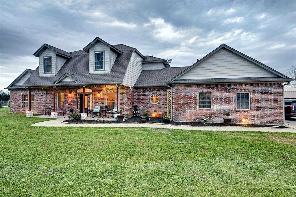 $610,000 - 4Br/3Ba -  for Sale in Roberts View Estate, Valley View