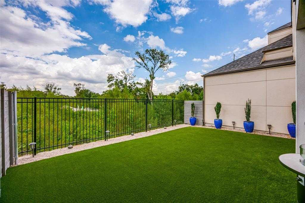$529,900 - 3Br/3Ba -  for Sale in Merion At Midtown Pk Ph 1, Dallas