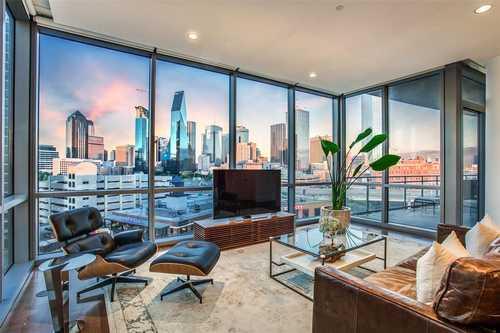 $725,000 - 2Br/3Ba -  for Sale in House, Dallas