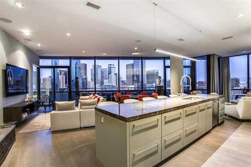 $950,000 - 2Br/3Ba -  for Sale in House, Dallas