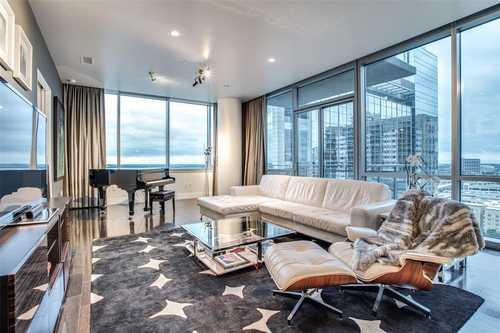 $649,999 - 2Br/3Ba -  for Sale in House, Dallas