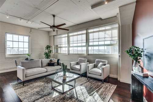 $569,000 - 2Br/3Ba -  for Sale in One Montgomery Plaza Residence Condo, Fort Worth