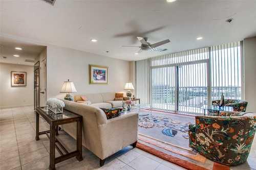 $489,000 - 3Br/3Ba -  for Sale in Bonaventure Condo, Dallas