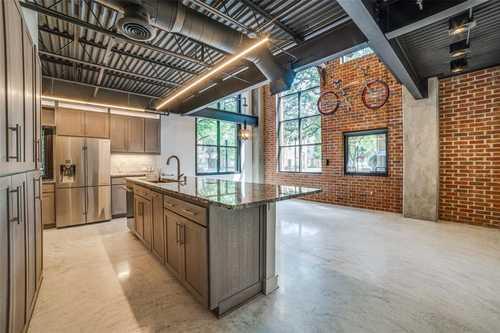 $450,000 - 1Br/2Ba -  for Sale in 588 Condos, Dallas