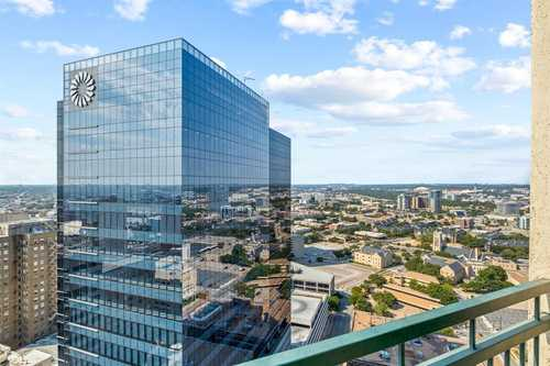 $675,000 - 2Br/3Ba -  for Sale in Tower Residential Condo I, Fort Worth