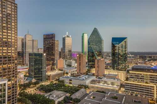 $12,000 - 1Br/2Ba -  for Sale in Museum Tower Condo, Dallas