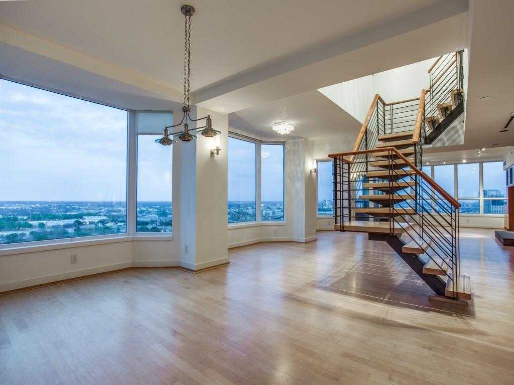 - 2Br/3Ba -  for Sale in La Tour Condo, Dallas