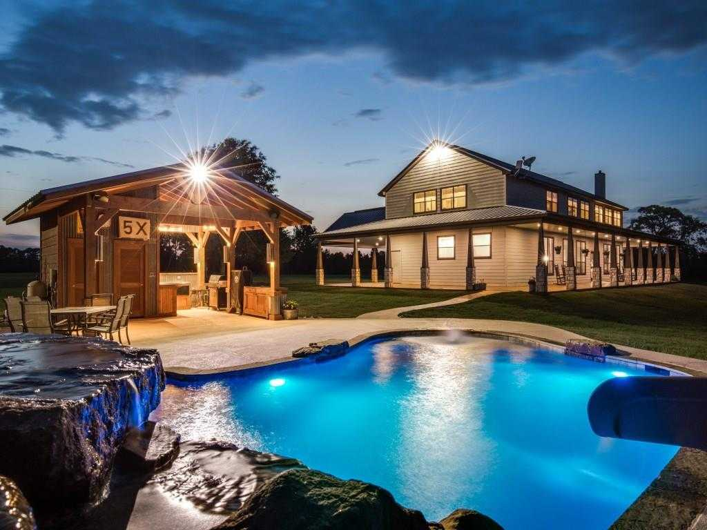 $9,000,000 - 5Br/4Ba -  for Sale in Na, Magnolia
