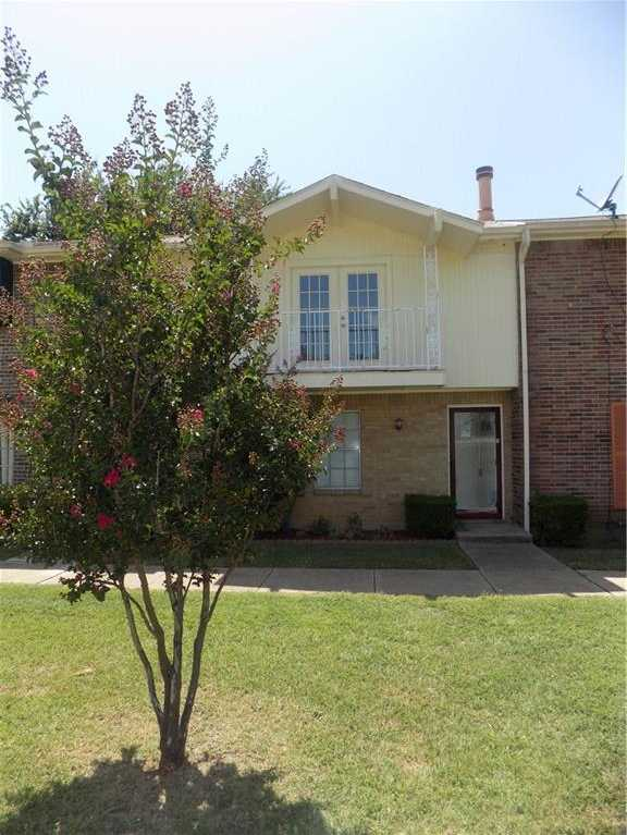 - 3Br/3Ba -  for Sale in Mountain Creek Twnhs 02 Rep, Grand Prairie