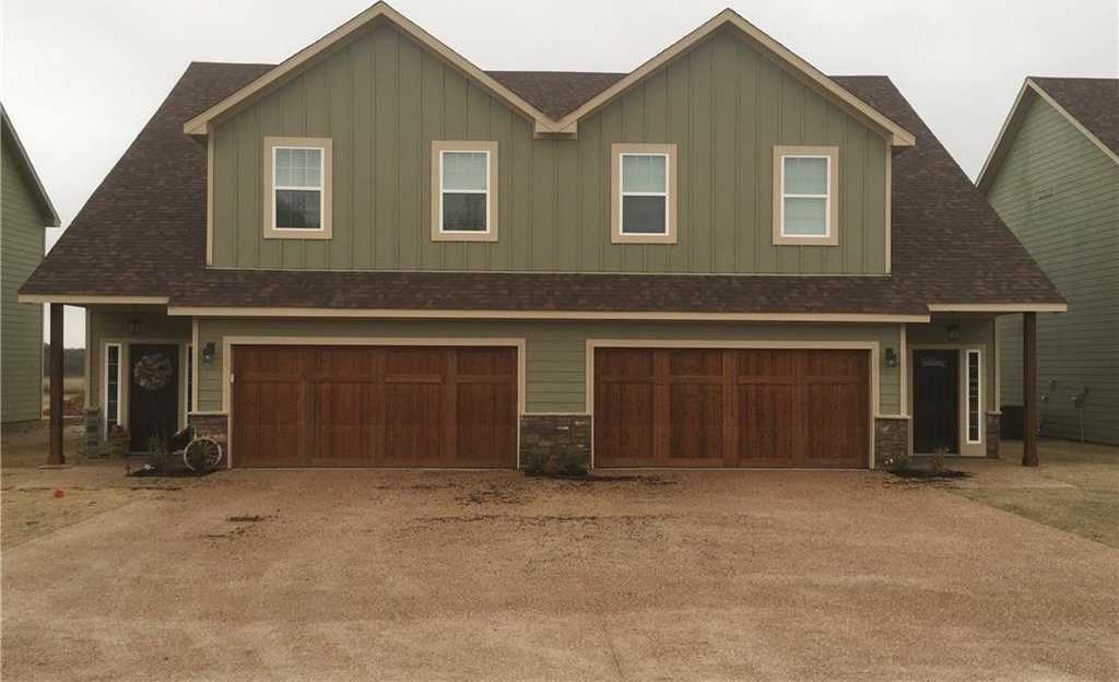 - 3Br/3Ba -  for Sale in Brock Field, Brock