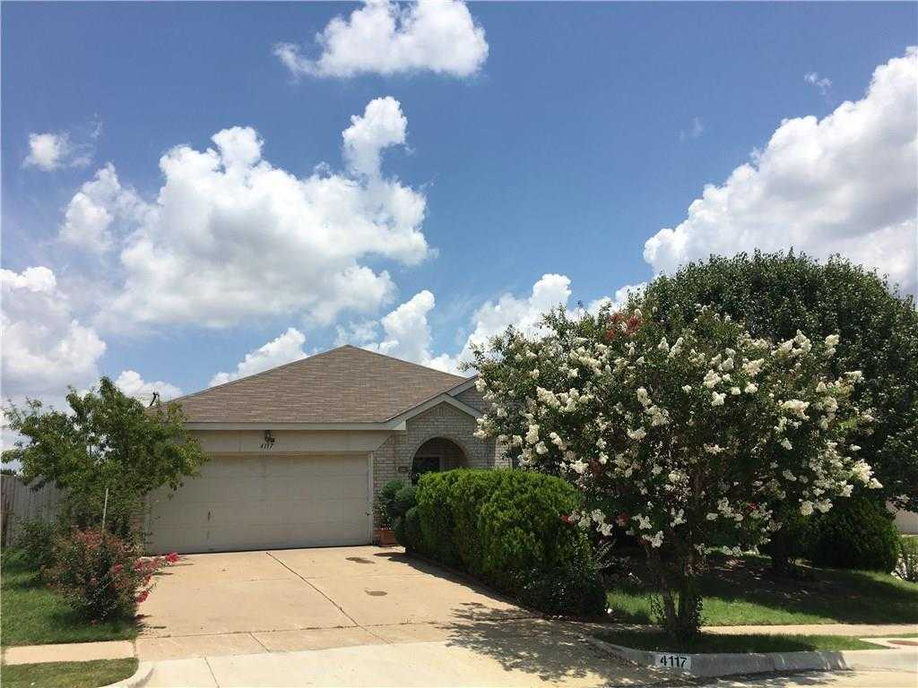$199,900 - 3Br/2Ba -  for Sale in Arcadia Park Add, Fort Worth