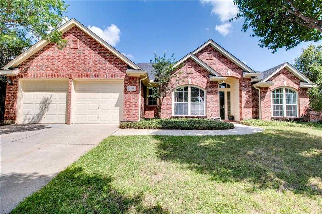 $243,900 - 3Br/2Ba -  for Sale in Heritage Estates Add, Mansfield