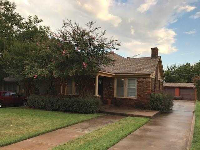 - 3Br/2Ba -  for Sale in Mistletoe Heights Add, Fort Worth