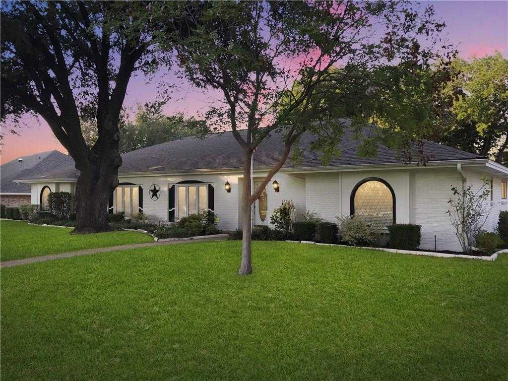 $499,900 - 4Br/3Ba -  for Sale in Overton West Add, Fort Worth