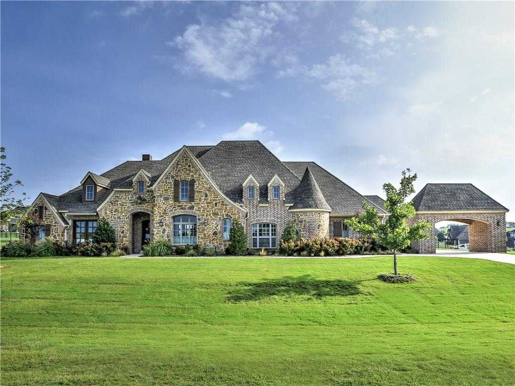$699,999 - 4Br/4Ba -  for Sale in Bella Flora, Fort Worth