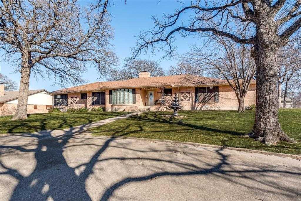 $475,000 - 4Br/3Ba -  for Sale in Adams Acres, Hurst