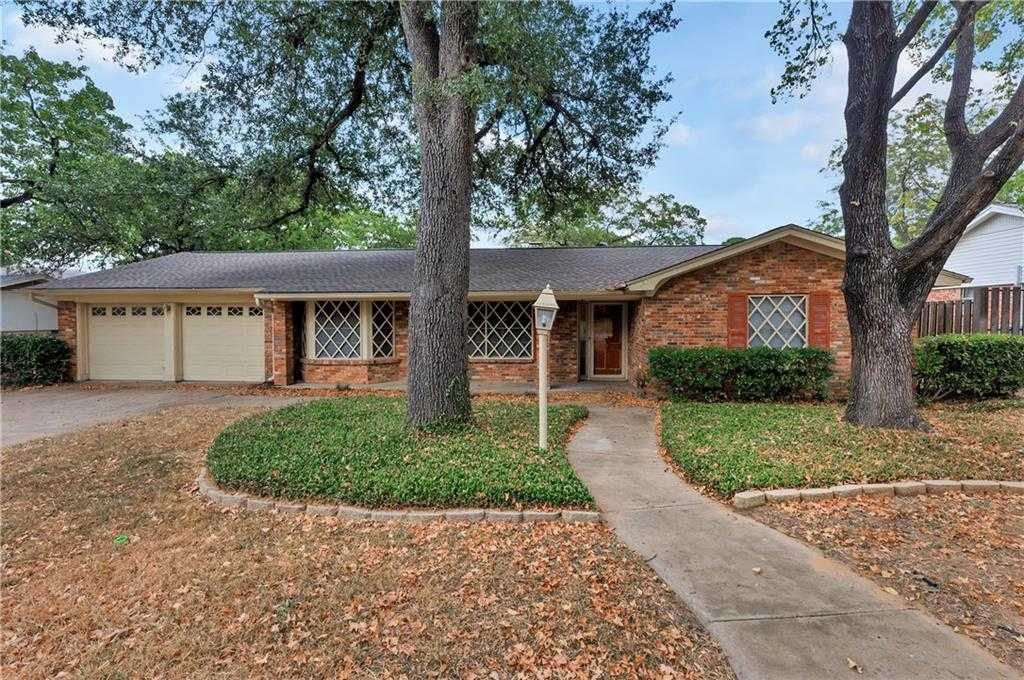 $226,000 - 3Br/2Ba -  for Sale in Woodcrest Add, Hurst