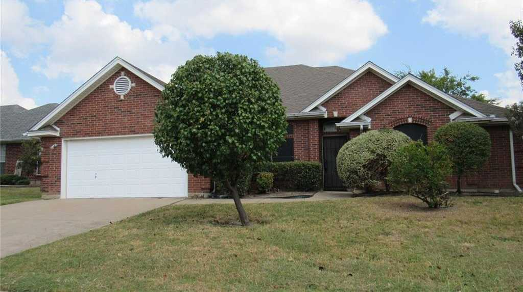 $236,900 - 3Br/2Ba -  for Sale in Heritage Estates Add, Mansfield