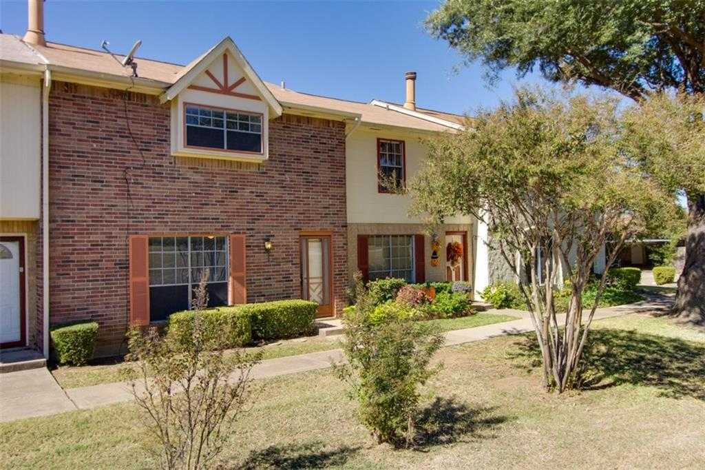 - 3Br/3Ba -  for Sale in Mountain Crk Twnhses 02, Grand Prairie