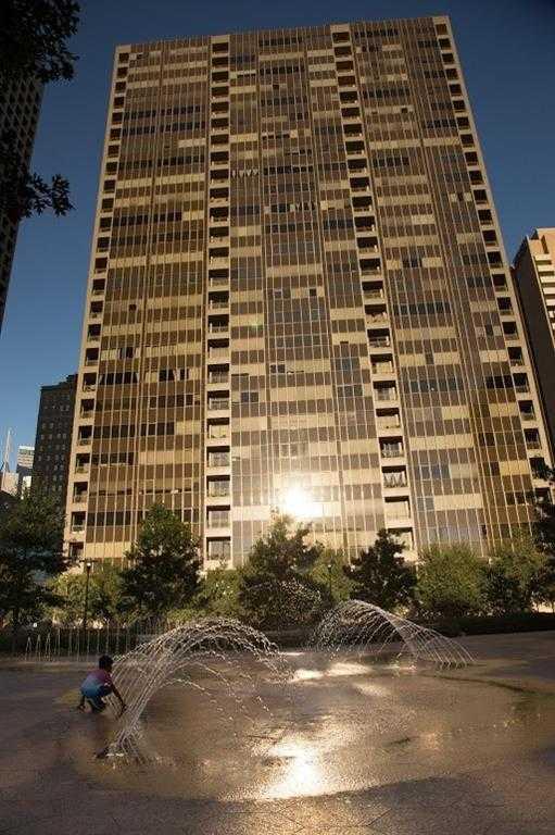$329,900 - 1Br/2Ba -  for Sale in Metropolitan 1200 Main St Condo, Dallas