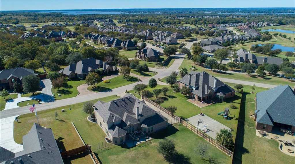 $375,000 - 5Br/4Ba -  for Sale in Resort On Eagle Mountain Lake, Fort Worth