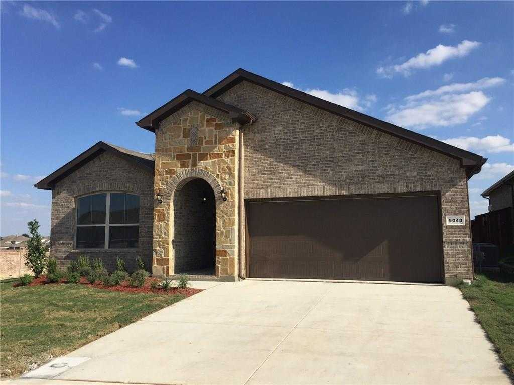 - 3Br/2Ba -  for Sale in Copper Creek, Fort Worth