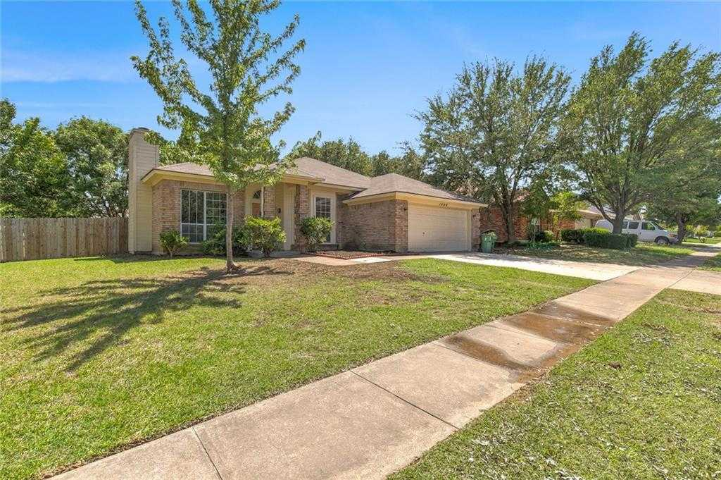 $149,160 - 3Br/2Ba -  for Sale in Oakbrook Add, Arlington