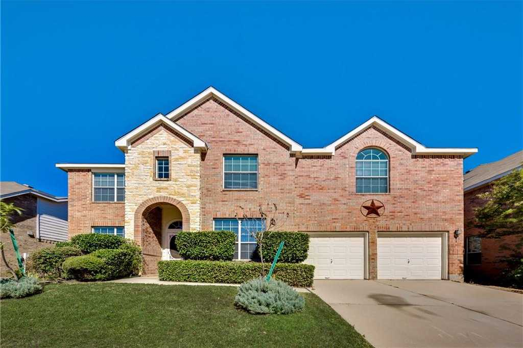 $330,000 - 5Br/4Ba -  for Sale in Parkwood Hill Add, Fort Worth