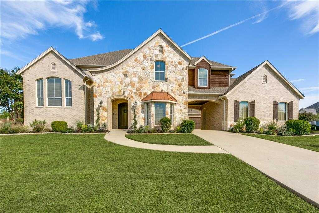 $439,900 - 5Br/5Ba -  for Sale in Lake Ridge Sec 10-2, Grand Prairie