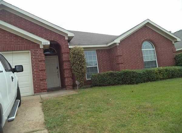 - 4Br/2Ba -  for Sale in Country Meadows Add, Mansfield