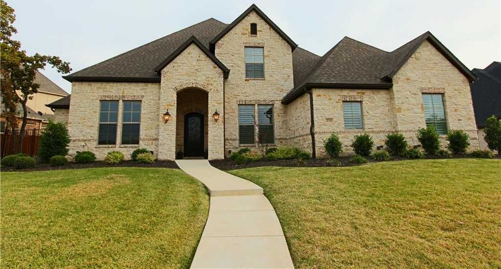 $869,000 - 4Br/5Ba -  for Sale in Lakes Add, Keller