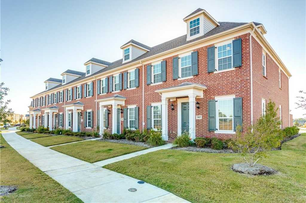 $344,900 - 3Br/3Ba -  for Sale in Hometown Canal District Ph 4, North Richland Hills