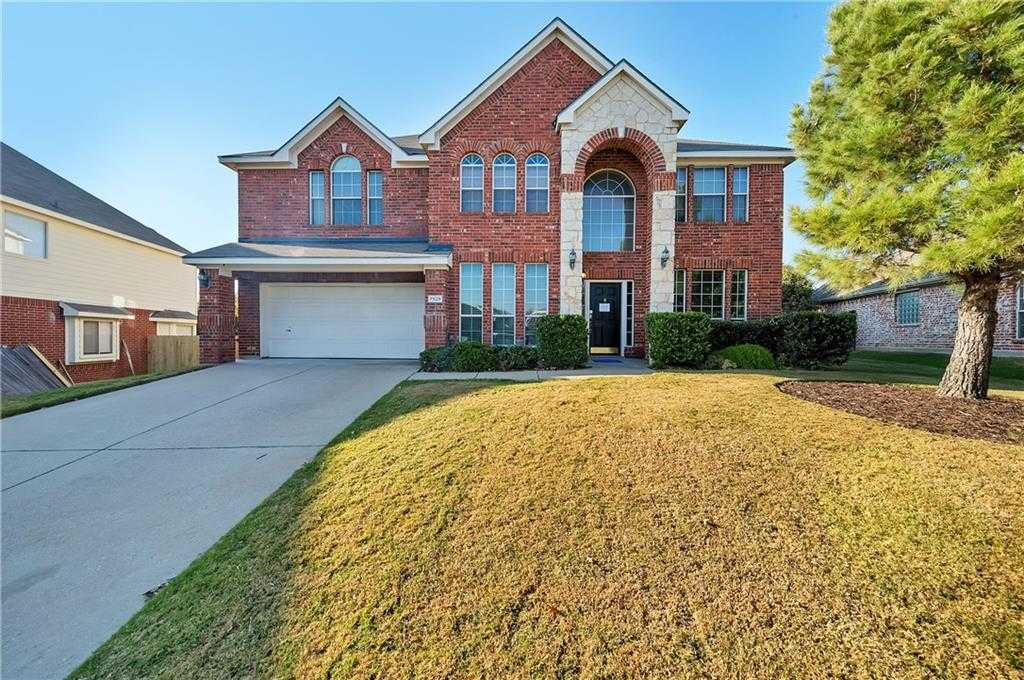$286,000 - 5Br/3Ba -  for Sale in Parkwood Hill Add, Fort Worth