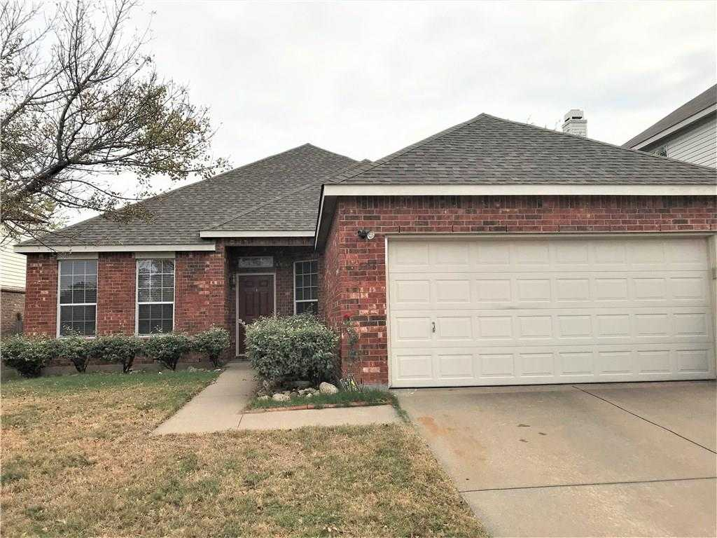 - 4Br/2Ba -  for Sale in Vineyards At Heritage The, Fort Worth