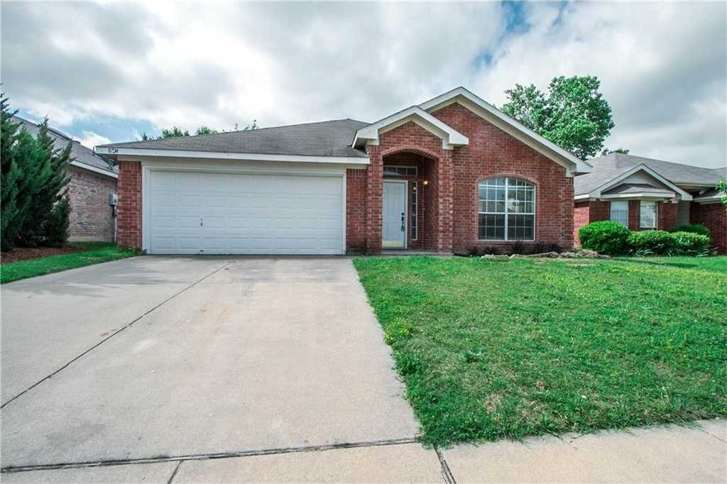 $240,000 - 4Br/2Ba -  for Sale in Lakes Of River Trails Add, Fort Worth