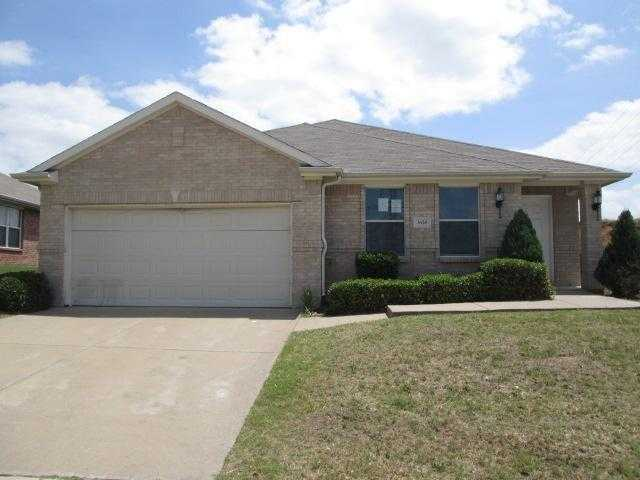 $259,000 - 3Br/2Ba -  for Sale in Lakeview North Add, Fort Worth