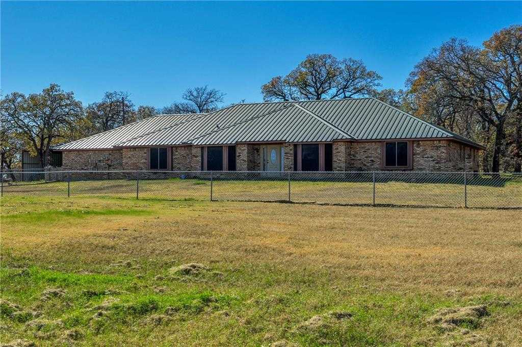 $575,000 - 4Br/3Ba -  for Sale in None, Burleson