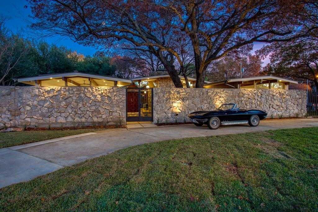 $1,200,000 - 4Br/4Ba -  for Sale in Canyon Creek Country Club 04, Richardson
