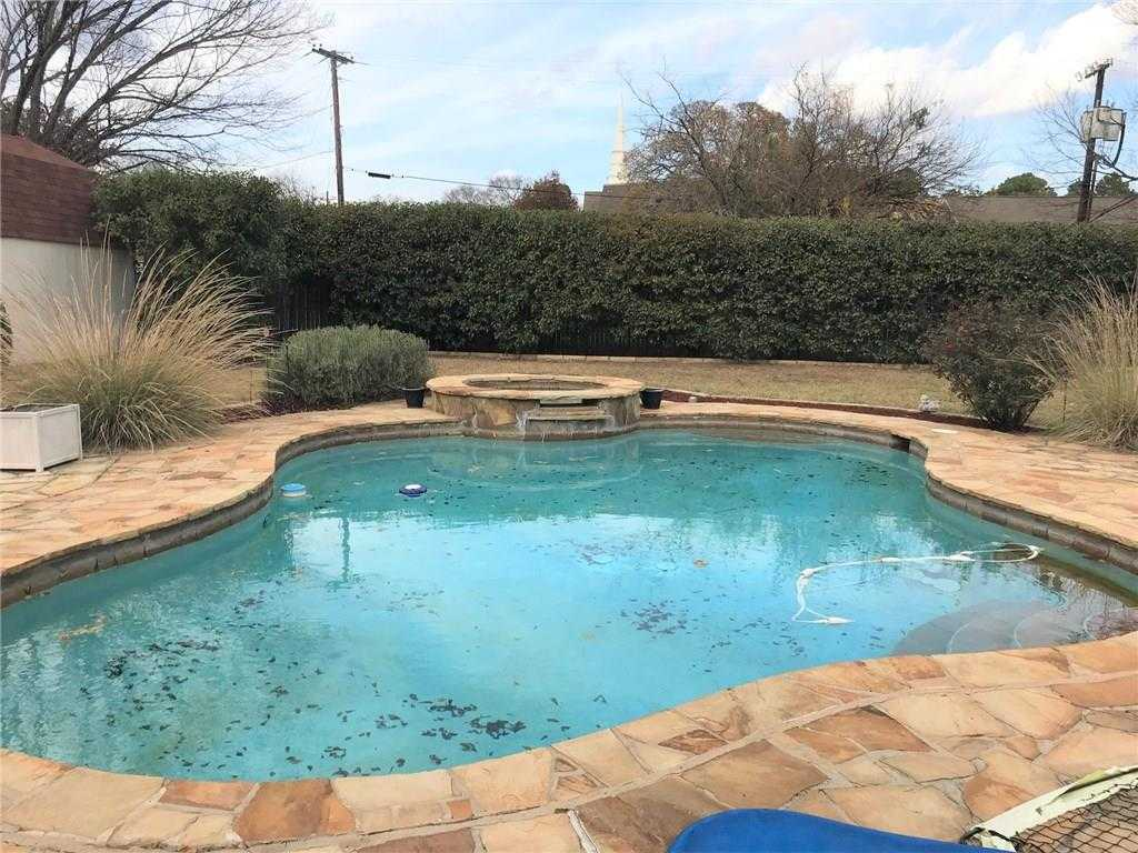 $294,500 - 4Br/2Ba -  for Sale in Sherwood Forest Add, Bedford