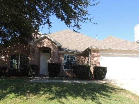 - 4Br/2Ba -  for Sale in Willowstone Estates-mansfield, Mansfield