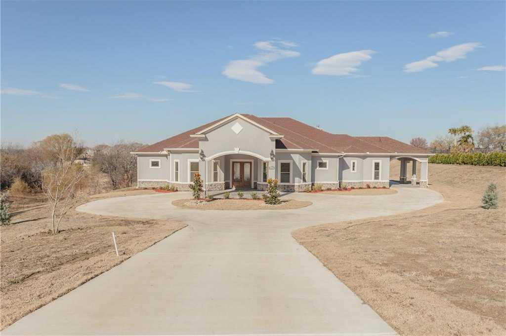 $645,000 - 5Br/6Ba -  for Sale in Lake Ridge Sec 02, Cedar Hill