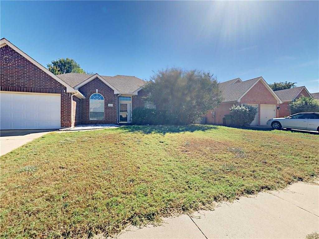 $239,000 - 3Br/2Ba -  for Sale in Heritage Estates Add, Mansfield