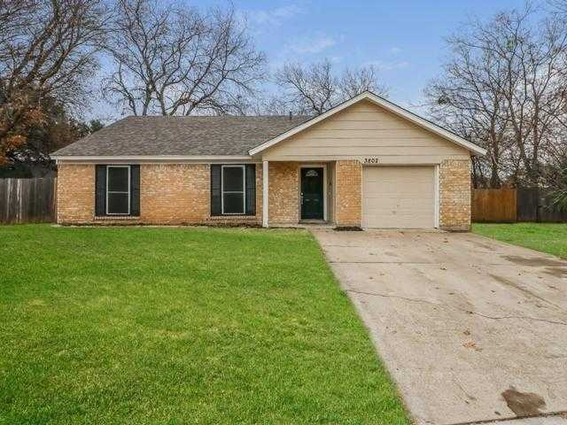 - 3Br/2Ba -  for Sale in Woodcrest 02, Grand Prairie