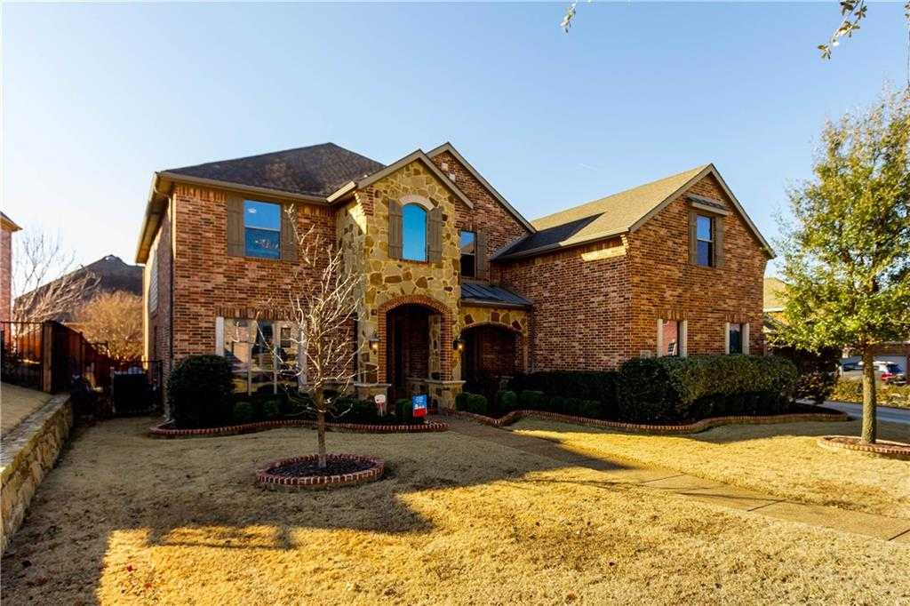 $500,000 - 5Br/4Ba -  for Sale in Heritage Add, Fort Worth