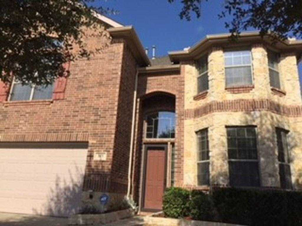 $399,900 - 4Br/4Ba -  for Sale in Fountain Park Add, Euless